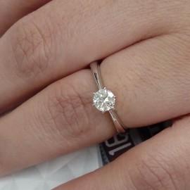 台中流當品拍賣 流當鑽石 八心八箭 41分 G色 K金 女戒 特價28800